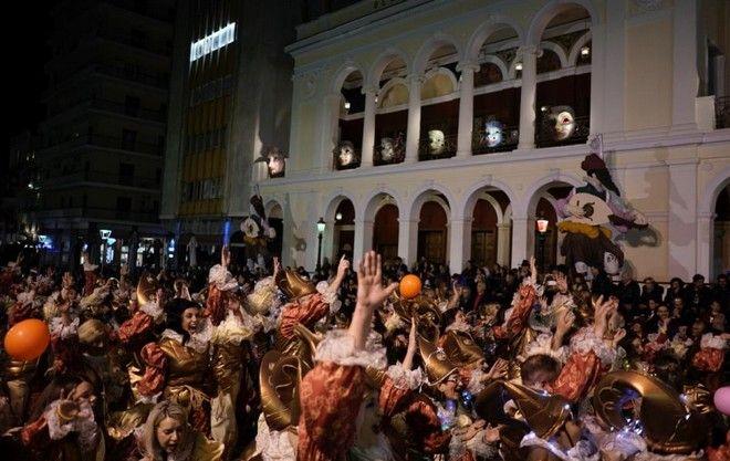 Στιγμιότυπο από το πατρινό καρναβάλι