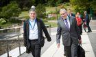 Στιγμιότυπο από το Eurogroup, με το Ευκλείδη Τσακαλώτο και τον Κλάους Ρέγκλινγκ
