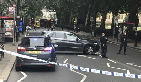 Αστυνομικοί έχουν αποκλείσει το σημείο του συμβάντος