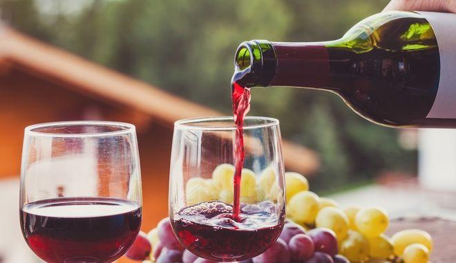 Κόκκινο κρασί (φωτογραφία αρχείου)