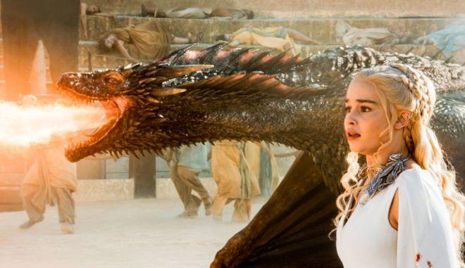 Emilia Clarke: Με τσάκισε το τέλος του Game of Thrones