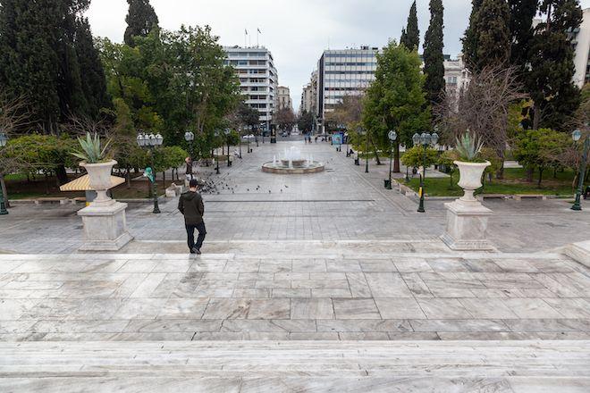 Άδεια Πλατεία Συντάγματος λόγω lockdown, 22 Μαρτίου 2020