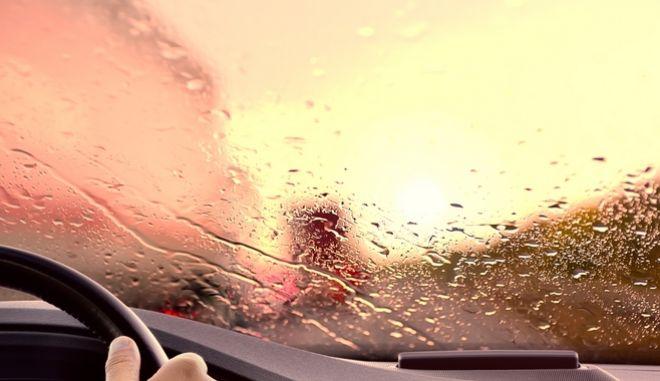 Οδήγηση σε βροχή