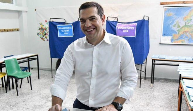 Ο πρωθυπουργός κατά την άσκηση του εκλογικού του δικαιώματος
