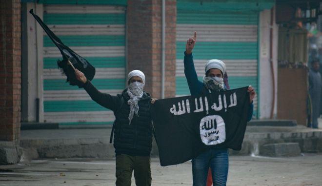 """Ο κορονοϊός """"λύγισε"""" τον ISIS: Καλεί τα μέλη του να μην ταξιδεύουν στην Ευρώπη"""