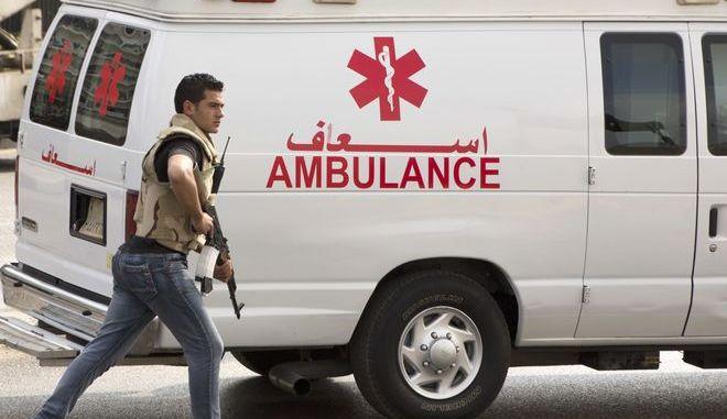 Ασθενοφόρο και άνδρας των δυνάμεων ασφαλείας στην Αίγυπτο, Αρχείο