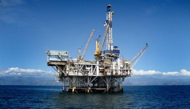 Νέα καθυστέρηση στις συμβάσεις για τα πετρέλαια του Ιονίου