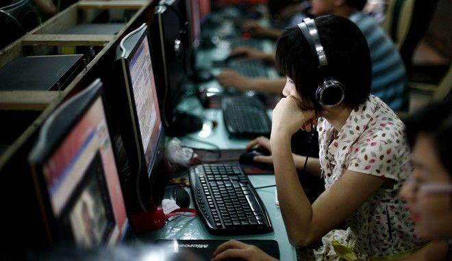 Υπολογιστές σε γραφεία στην Κίνα