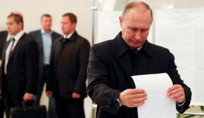 Θρίαμβος για το κόμμα του Πούτιν στις βουλευτικές εκλογές