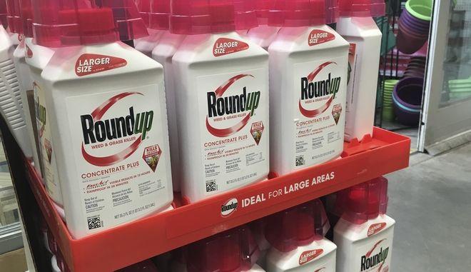 Το ζιζανιοκτόνο Roundup προς πώληση σε κατάστημα του Σαν Φρανσίσκο