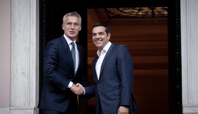Δείπνο εργασίας περέθεσε ο Πρωθυπουργός Αλέξης Τσίπρας στον Γενικό Γραμματέα του ΝΑΤΟ Jens Stoltenberg