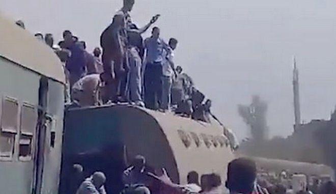 Αίγυπτος: Τουλάχιστον 11 οι νεκροί από τον εκτροχιασμό του  τρένου