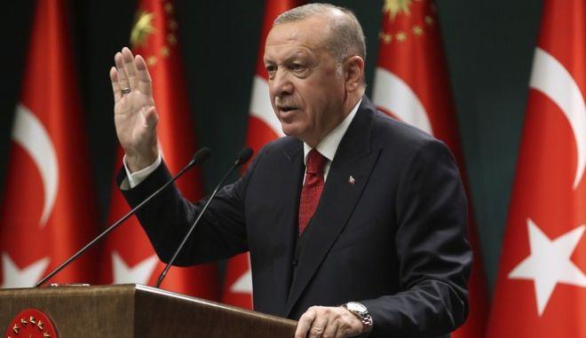 """Ερντογάν σε Φον ντερ Λάιεν: """"Να μη σπαταλήσουν και αυτή την ευκαιρία οι Έλληνες"""""""