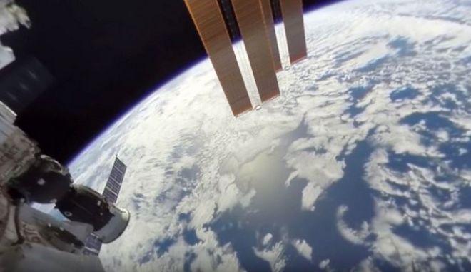 Μοναδικές εικόνες: To πρώτο βίντεο 360 μοιρών στο διάστημα