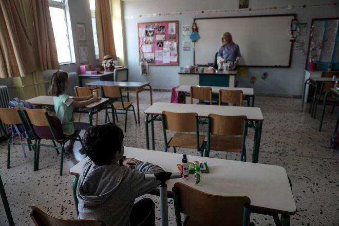 Κορονοϊός: Μεγαλώνει η ανησυχία και ο φόβος από το
