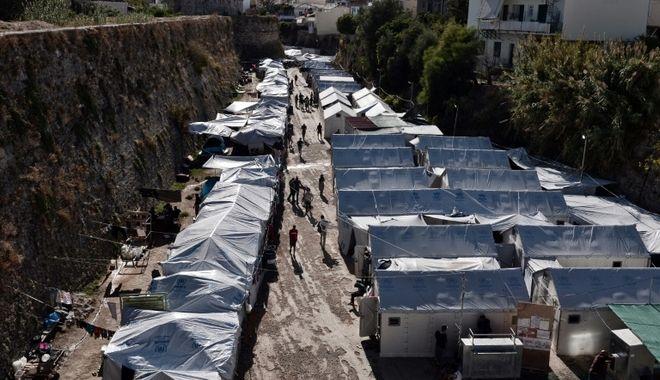 Σπέρνουν το μίσος στη Χίο. Φωνές ακόμη και για θαλάσσιο φραγμό