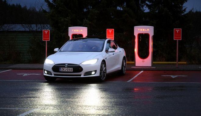 Η Tesla θα χτίσει τη μεγαλύτερη μπαταρία του κόσμου στην Αυστραλία!