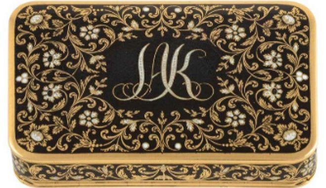 Η χρυσή ταμπακιέρα του Ιωάννη Καποδίστρια που πωλήθηκε αντί περίπου 73.500 ευρώ