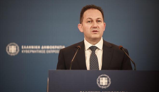 Ο κυβερνητικός εκπρόσωπος Στέλιος Πέτσας