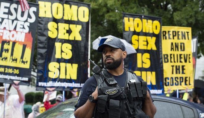 Αστυνομικός σε Pride στις ΗΠΑ