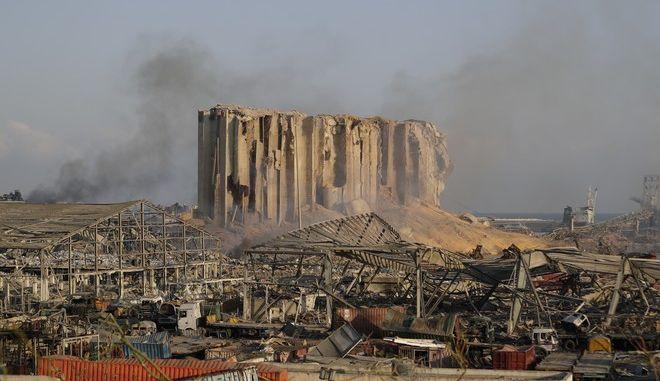 Εικόνες καταστροφής στη Βηρυτό μετά τη μεγάλη έκρηξη