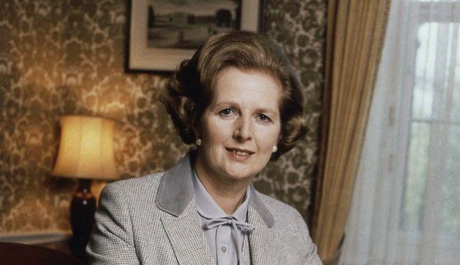 Η Μάργκαρετ Θάτσερ, πρώτη γυναίκα και μακροβιότερη πρωθυπουργός της Βρετανίας (1979-1991)