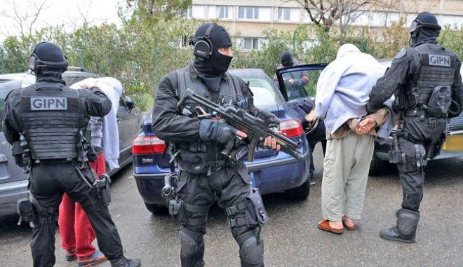 Ψευδής η κατάθεση του Γάλλου δασκάλου που ισχυρίστηκε ότι του επιτέθηκε υποστηρικτής του ISIS