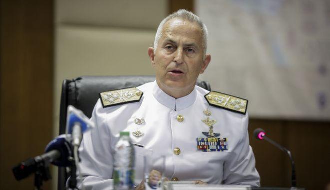 Ο μέχρι πρότινος αρχηγός ΓΕΕΘΑ, Ε.Αποστολάκης ο ο ποίος αναμένεται να ορκιστεί Υπουργός Εθνικής Άμυνας