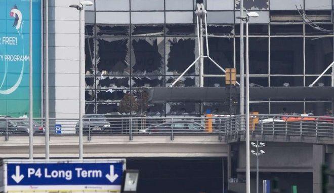Βρυξέλλες: Κλειστό επ' αόριστον το αεροδρόμιο μετά τις τρομοκρατικές επιθέσεις