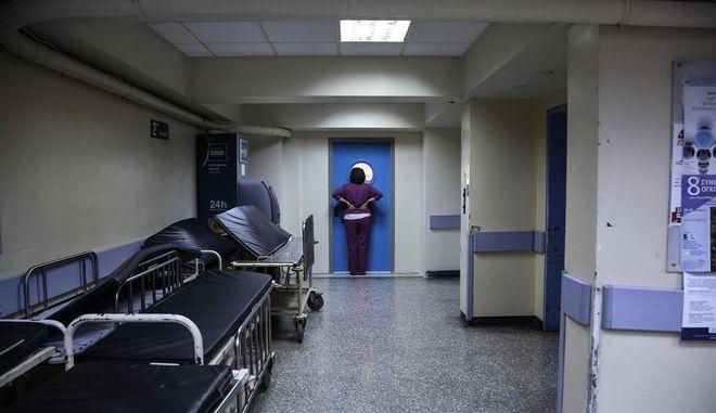 Ερωτηματικά για τις ελλείψεις στα νοσοκομεία μετά τον τραγικό θάνατο 4χρονου αγοριού