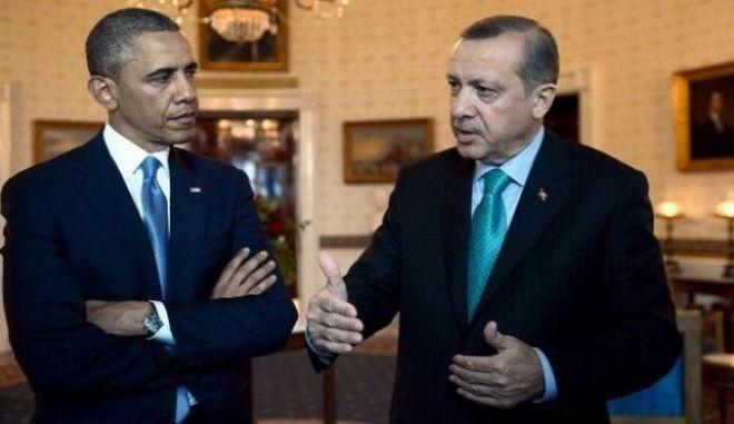 'Λυπημένος' ο Ερντογάν για τις δηλώσεις Ομπάμα περί ελευθερίας του Τύπου