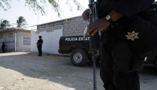 Μεξικό: 14 νεκροί από μάχη της αστυνομίας με το καρτέλ Ζέτας