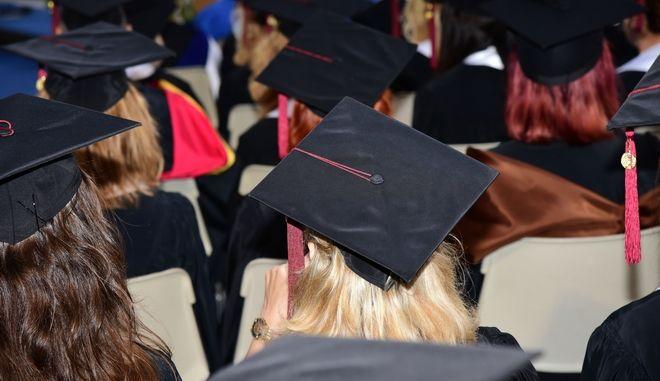 Αποφοίτηση 2019: αποχαιρετισμός αλλά και νέα αρχή για τους μαθητές του Pierce!