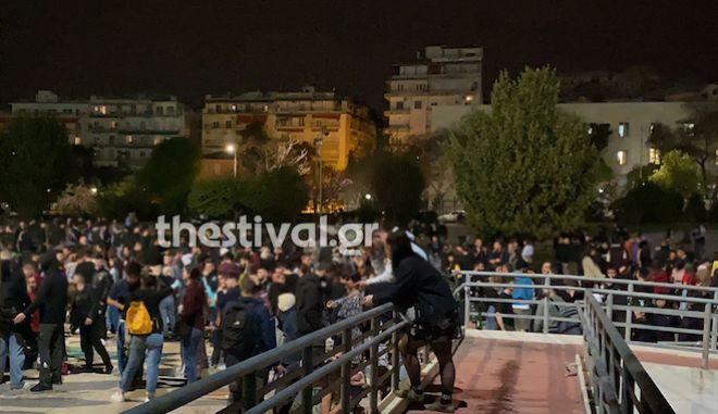 Lockdown: Εικόνες συνωστισμού σε Αθήνα και Θεσσαλονίκη