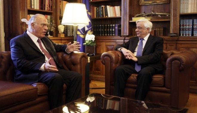 """Συνάντηση του Προέδρου της Δημοκρατίας Προκόπη Παυλόπουλου με τον πρέοδρο της """"Ένωσης Κεντρώων"""" Βασίλη Λεβέντη την Πέμπτη 25 Φεβρουαρίου 2016. (EUROKINISSI/ΓΙΩΡΓΟΣ ΚΟΝΤΑΡΙΝΗΣ)"""