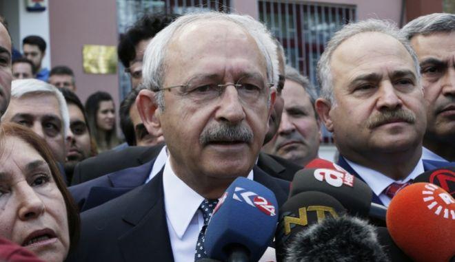 Τουρκικό δημοψήφισμα: Πρόβλημα νομιμότητας και παράνομες ενέργειες 'βλέπει' το CHP