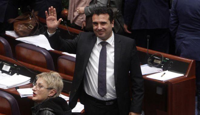 Περιχαρής μετά την ολοκλήρωση της ψηφοφορίας ο Ζάεφ