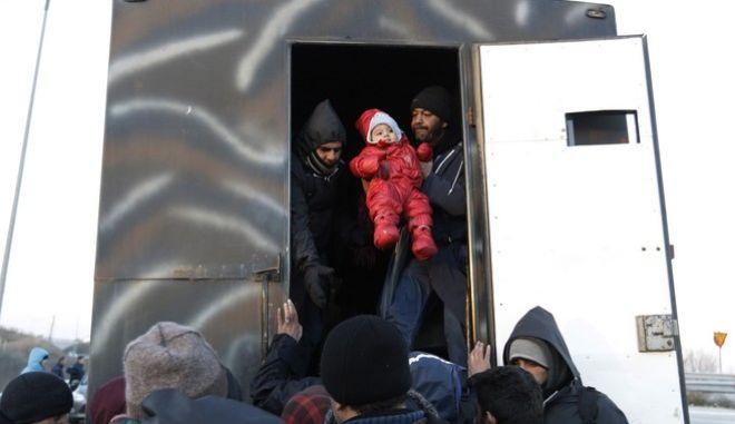 Φωτό αρχείου: Πρόσφυγες στον Έβρο