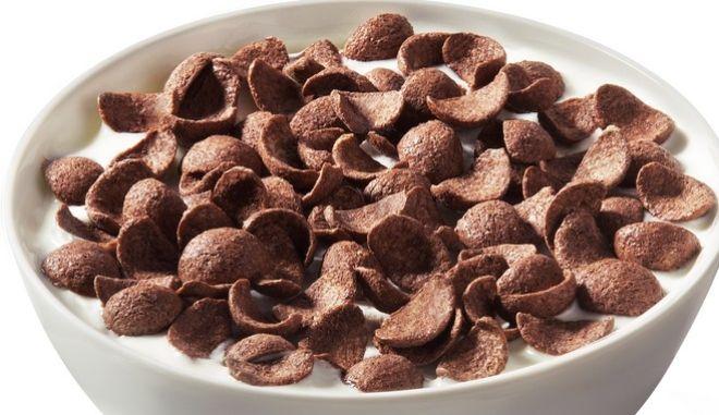 Νέα έρευνα δείχνει πως η σοκολάτα στο πρωινό έχει πολλά οφέλη, μακροπρόθεσμα.