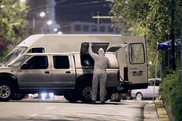 Έκρηξη βόμβας στη Eurobank: Ο φύλακας είδε δύο άτομα να αφήνουν την τσάντα και κάλεσε την Άμεση Δράση