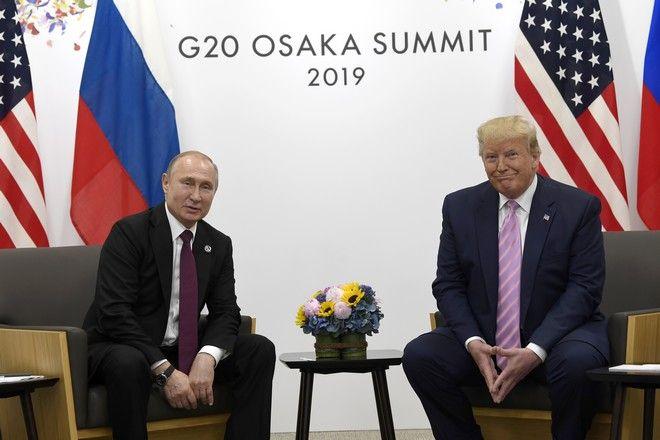 Ο Τραμπ και ο Πούτιν κατά τη συνάντησή τους στην G20