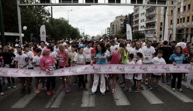 Στιγμιότυπο από τον 9ο το συμβολικό αγώνα δρόμου και περίπατο Greece race for the cure