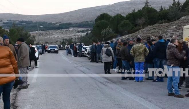 Χίος: Εκατοντάδες πολίτες διαδήλωσαν κατά της δημιουργίας νέας δομής προσφύγων