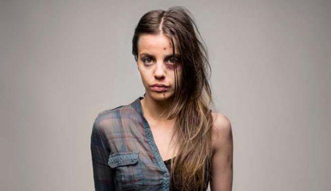 Καλλιτεχνικές φωτογραφίες δείχνουν τις τραγικές επιπτώσεις των ναρκωτικών