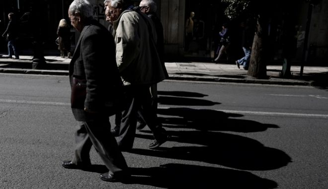 Pensioners' protest rally in Athens, Greece on Mar. 10, 2016. /            , , 10  2016.