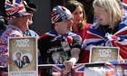 Φαν παρακολουθούν την πρόβα του βασιλικού γάμου στο Ουίνδσορ