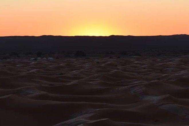 Όταν ξυπνάς και βλέπεις τη Σαχάρα χιονισμένη