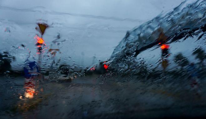 Βροχή - Φωτογραφία αρχείου