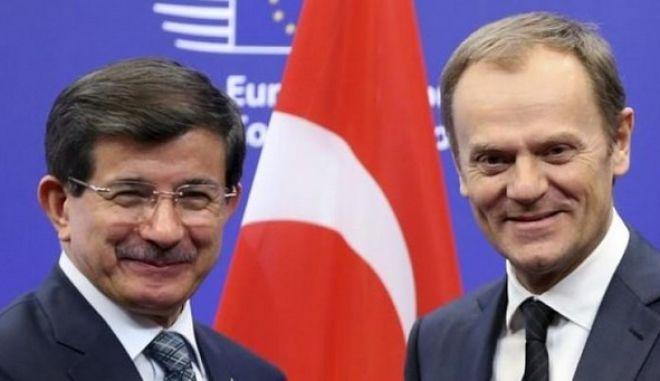 Άγκυρα: Η συμφωνία με την ΕΕ θα σέβεται το διεθνές δίκαιο