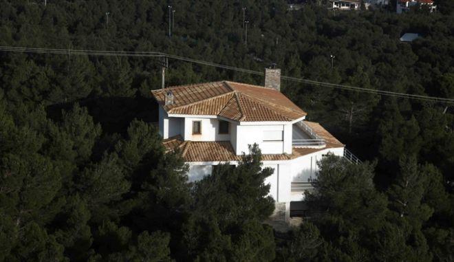Στιγμιότυπο απο την δόμηση στην πλαγιά του βουνού της Πάρνηθας